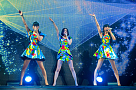 "Perfume『WE ARE Perfume -WORLD TOUR 3rd DOCUMENT』 (C)2015""WE ARE Perfume""Film Partners."