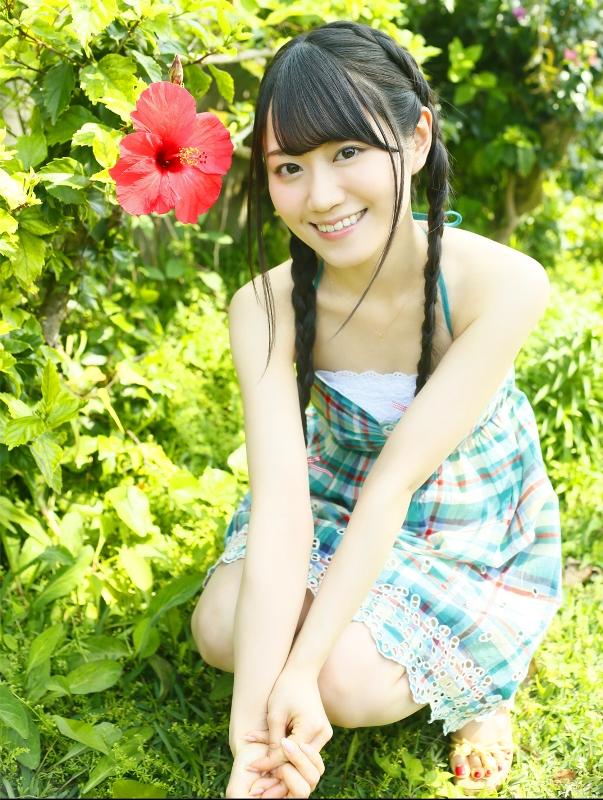 人気声優・小倉唯、20歳の魅力がつまった写真集発売 沖縄で見せた今までにない表情