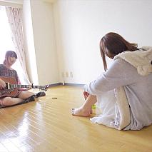 大森靖子(左)
