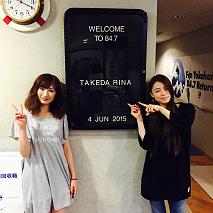 武田梨奈(左)・片平里菜(右)