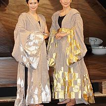 中谷美紀(左)・神野三鈴(右)