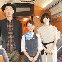 左から大倉孝二・大島優子・タナダユキ監督