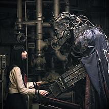 中条あやみ(左)、ライチ(右) (C)2016『ライチ☆光クラブ』製作委員会
