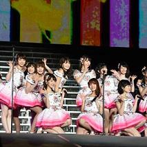 『AKB48単独コンサート』より (C)AKS
