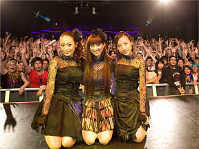 Kalafina「Anime Expo 2011」in Club Nokia (C) SPACE CRAFT