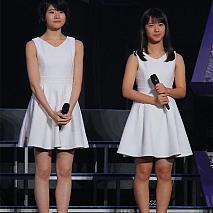 加賀楓(左)と横山玲奈(右)