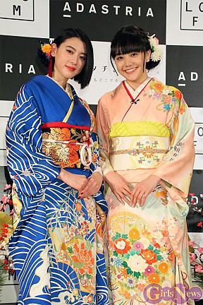 三吉彩花(左)・松井愛莉(右)