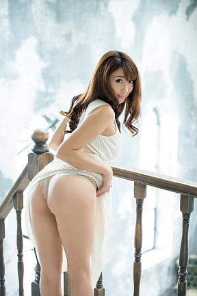 森咲智美 FRIDAY10月27日発売号(講談社)より 写真/佐藤祐一