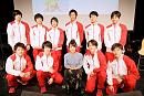 足立佳奈とコナミスポーツ体操競技部の選手たち