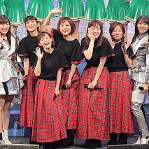 モーニング娘。初期メンバーと現役'18メンバーたち。