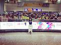 台湾の空港に集まった大勢のファンとの1枚