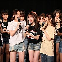 SKE48劇場での発表の瞬間の谷 真理佳さん。