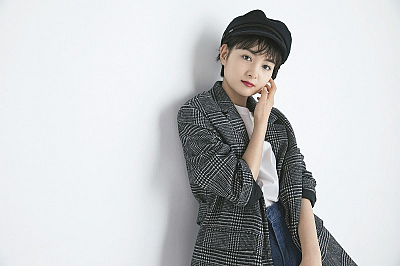 葵わかな オフィシャルカレンダー2019(11月)