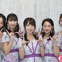 カレッジ・コスモス。(左から)對馬桜花、秋月香七、山木梨沙、松井まり、舩田美子