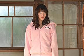 浅川梨奈ドラマ『ゼブラ』より