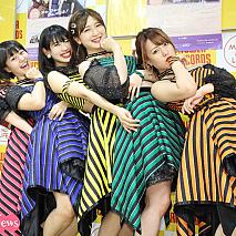 アップアップガールズ(仮) (左から)古川小夏、新井愛瞳、佐保明梨、森咲樹、関根梓