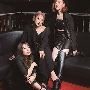 "『PINK CRES.×TOWER RECORDS GO AROUND TOUR ""Roulette""』ポスター"