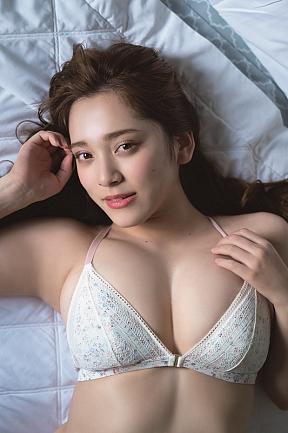 都丸紗也華  撮影/唐木貴央 (c)ヤングアニマル