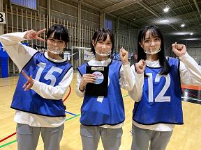 STU48(田中皓子、MC 甲斐心愛、石田千穂)