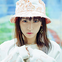 「浅川梨奈『06.12-06.12』CALENDAR+miniPHOTOBOOK」より