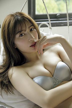 雪平莉左(C)光文社/週刊FLASH 写真◎西條彰仁