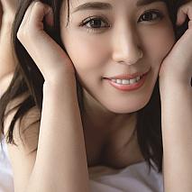 金子智美 最新写真集『美しい人』